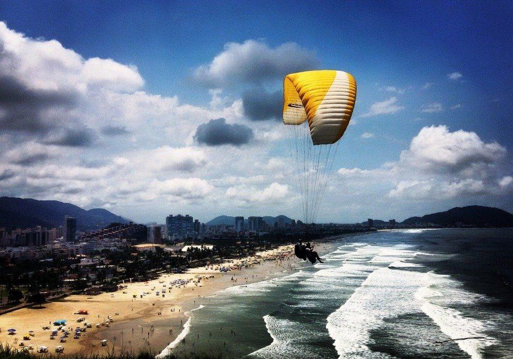 Vista-com-Parapente-Guaruja